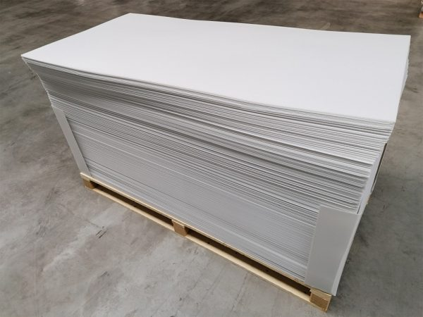 Flammhemmende Platten nach europaweit gültiger Norm 13501
